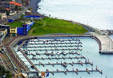 CONSTRUCTION OF THE RECREATIONAL PORT OF CALHETA